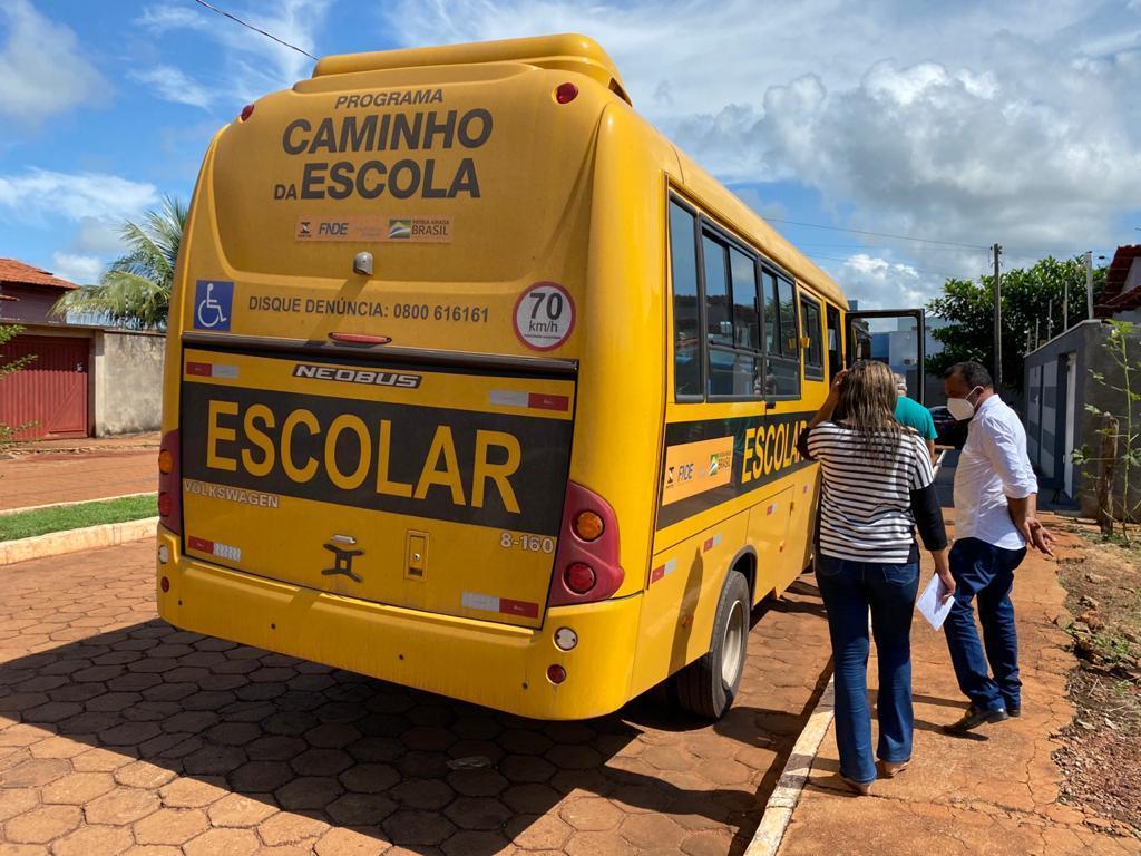 EDUCAÇÃO RECEBE NOVO ÔNIBUS ESCOLAR