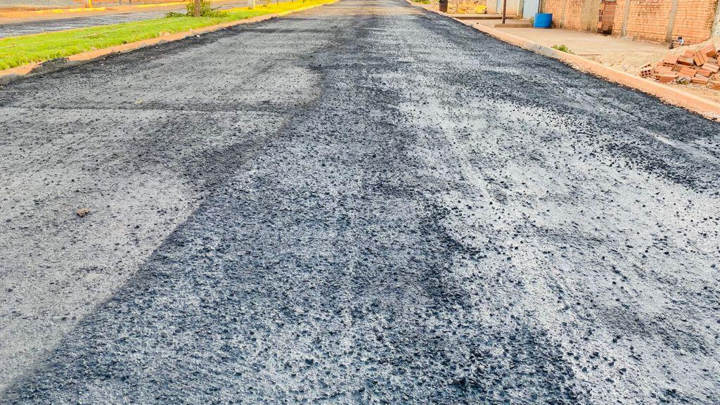 Prefeitura de Aguiarnópolis realiza obra de recapeamento asfáltico da cidade